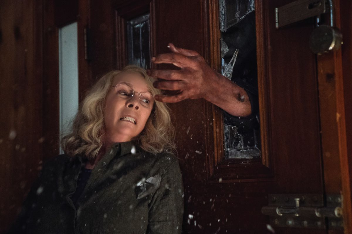 Laurie Strode Fights PTSD, Returns With a Vengeance in 'Halloween'