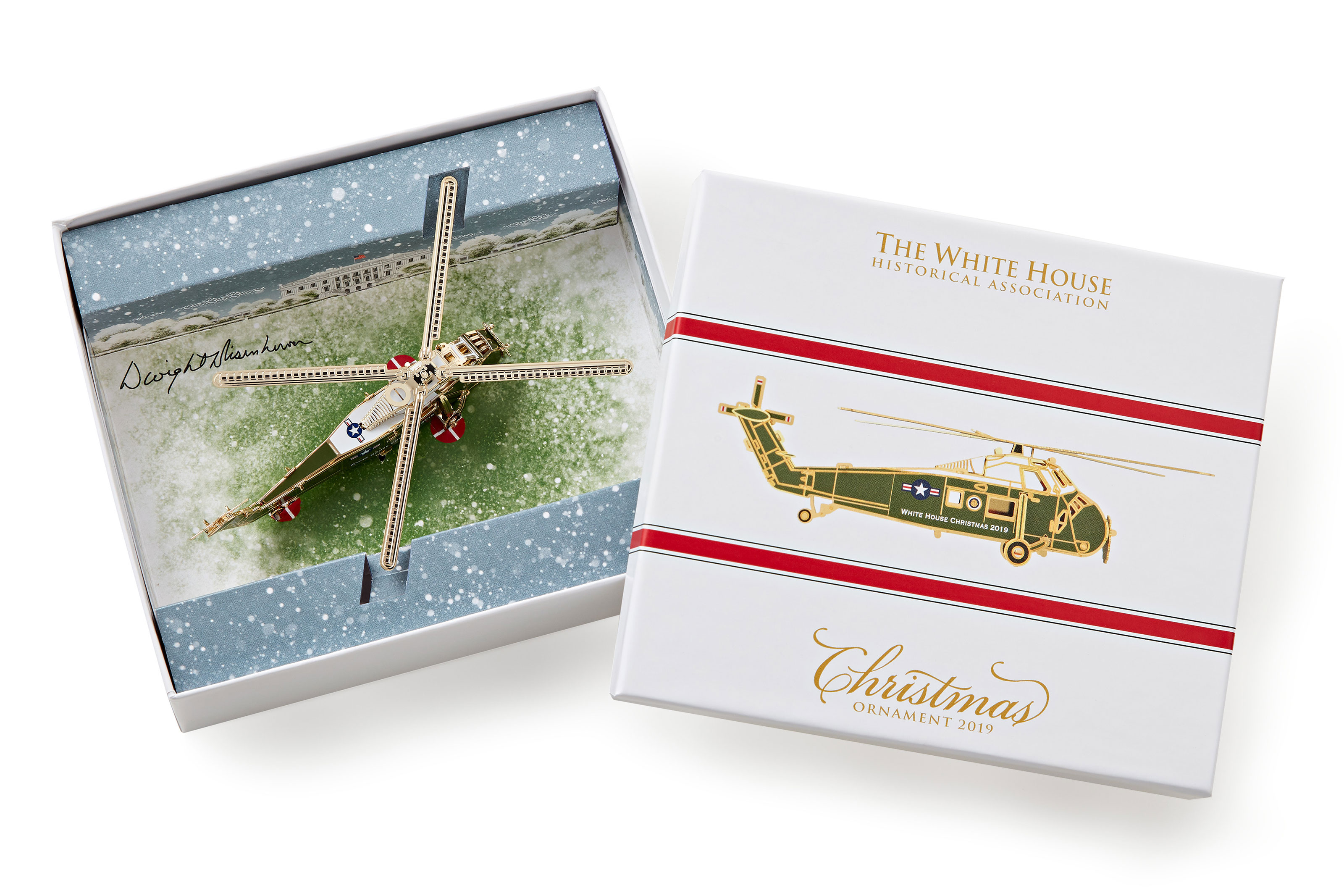 White House Christmas 2019.2019 White House Christmas Ornament Is A Military Helicopter