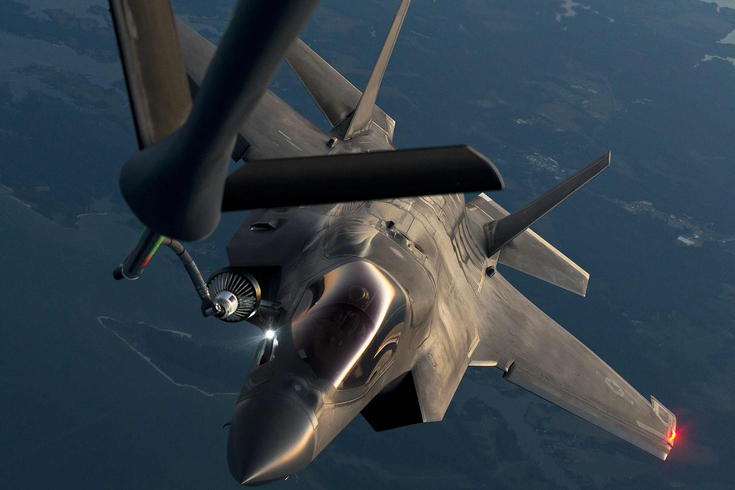 Test Agency Approves Fix for Flawed F-35 Light That Blinded KC-135 Crews