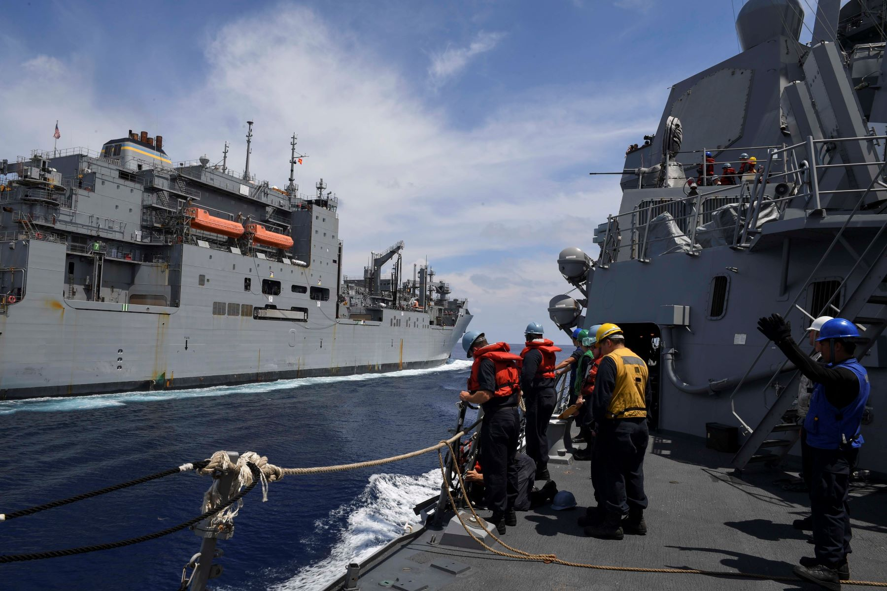 Hawaii Destroyer Ignores China in 'Freedom of Navigation' Sail in China Sea
