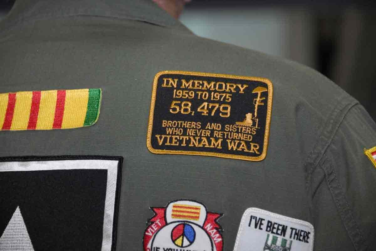 """MILITARY PATCH  U.S MARINES  /"""" VIETNAM VETERAN /"""" SERVICE"""