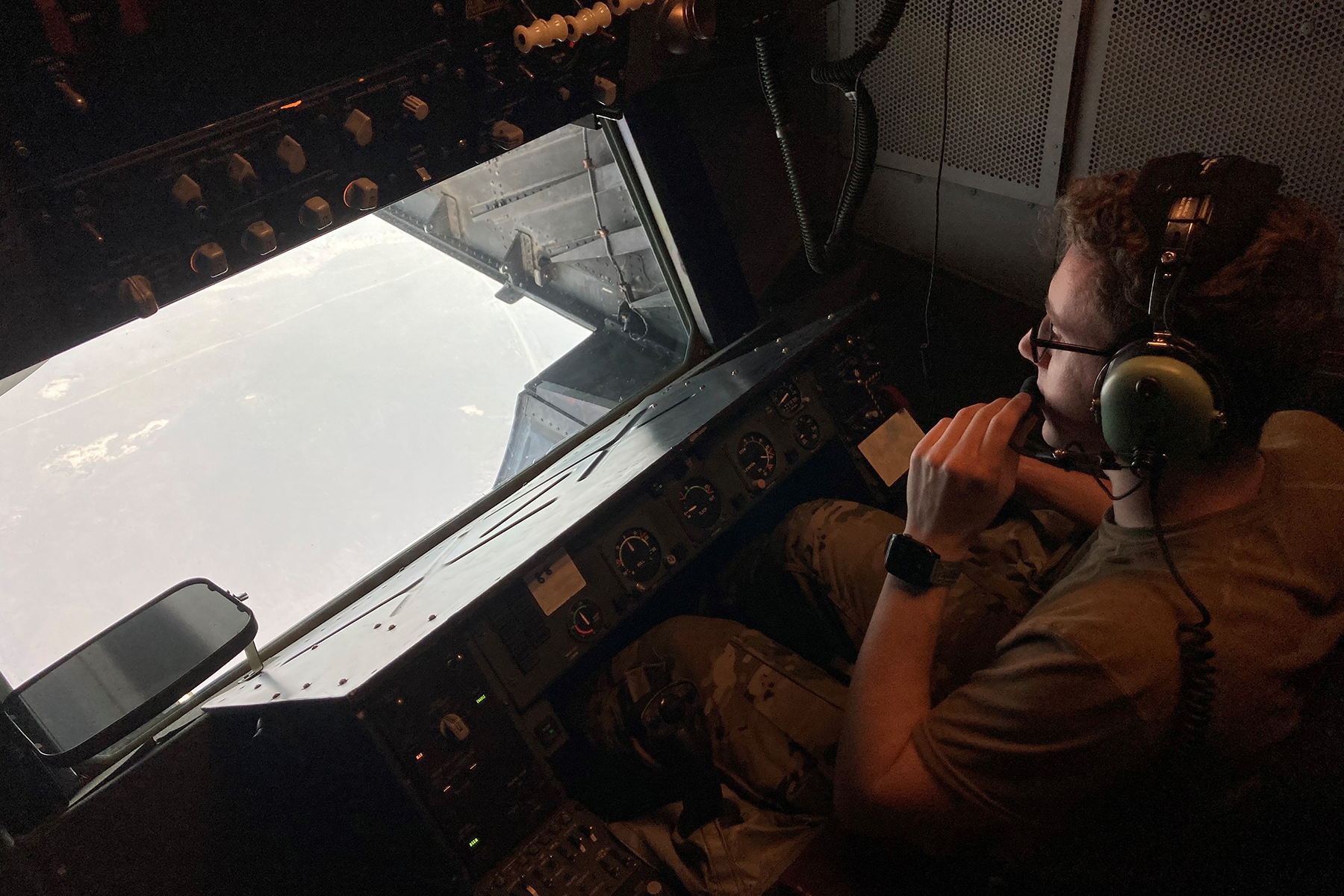 'Keep It Gucci:' The Precise Art of Being an Air Force In-Flight Refueler