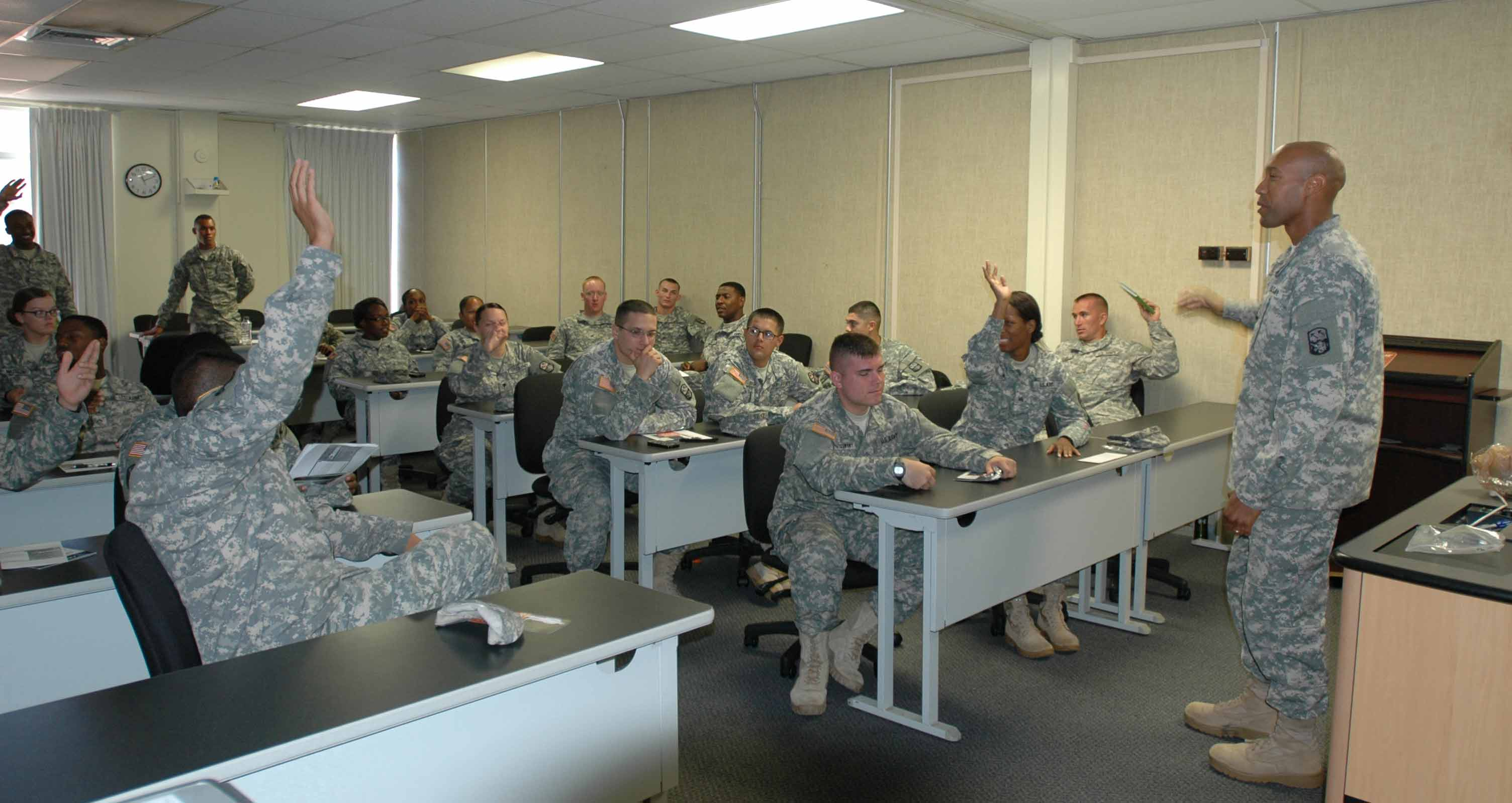 Soldiers matriculate at newly-opened \'ArmyU\' | Military.com