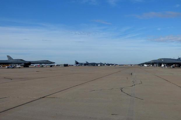 B-1B Lancers sit on the flight line at Dyess AFB Texas. (Military.com/Oriana Pawlyk)