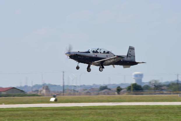 T 6 Trainer Crashes In Texas Pilots Eject Safely With Minor