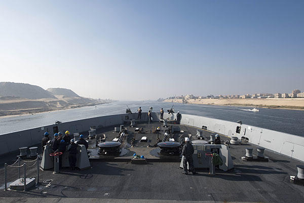 The amphibious transport dock ship USS Arlington (LPD 24) transits the Suez Canal. (U.S. Navy/MC Seaman Kaleb R. Staples)