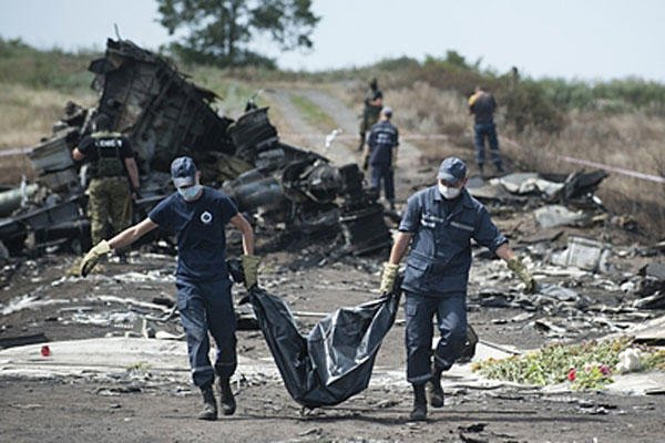 MH17 crash body recovery