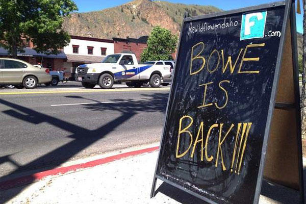 A sign celebrating the release from captivity of Sgt. Bowe Bergdahl stands on a street June 4 in the soldier's hometown of Hailey, Idaho. (AP photo)