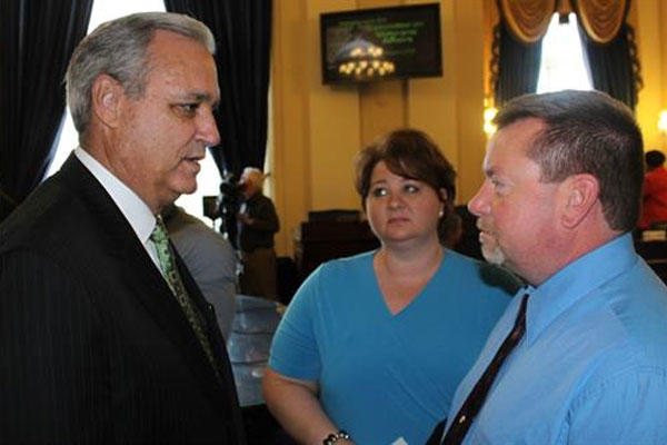Congressman Jeff Miller with Barry Coates (Photo: www.jeffmiller.house.gov)