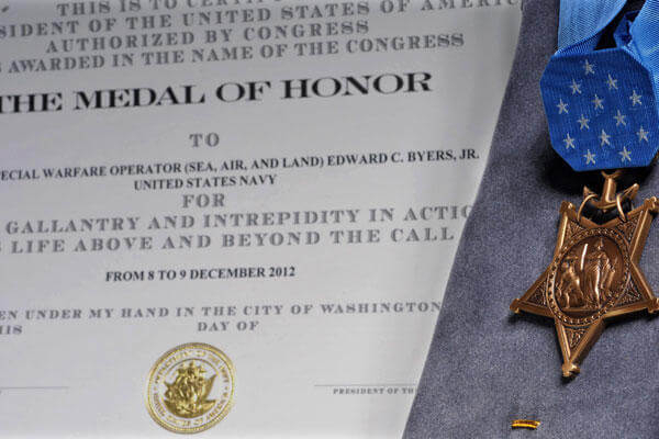 Medal of Honor to be received by Senior Chief Special Warfare Operator Edward C. Byers Jr (Photo: Navy)