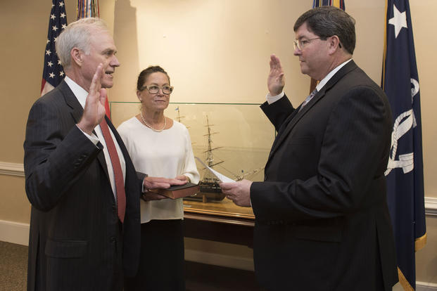 Richard V. Spencer is sworn in as the 76th Secretary of the Navy by William O'Donnell, Department of the Navy administrative assistant, Aug. 3, 2017. (U.S. Navy photo/Mass Communication Specialist 2nd Class Jonathan B. Trejo)