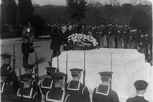 Armistice Day, Nov 11, 1923, at Arlington National Cemetery, with Secretary of War John Weeks, Pres. Calvin Coolidge, and Asst. Secretary of the Navy Franklin D. Roosevelt paying tribute to the Unknown Soldier. (Library of Congress photo)