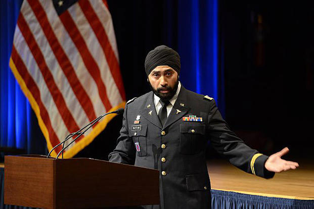 Retired Generals Ask Carter to Open Military to Sikhs