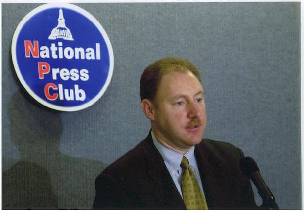 Bob speaks at the National Press Club, 2007.