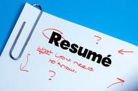 how to critique a resumes
